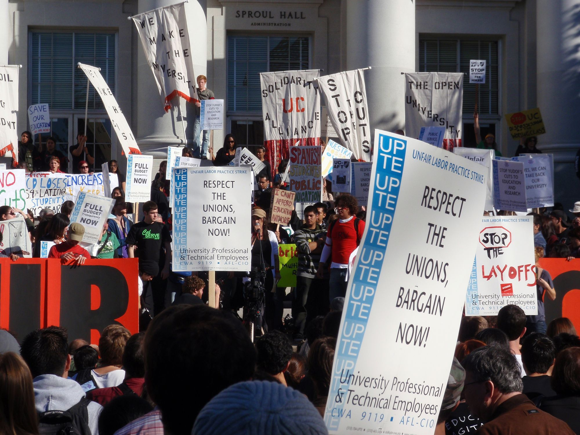 Teacher union protestors