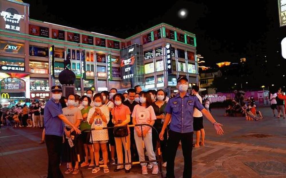 Citizens Southern Chinese City Of Guangzhou