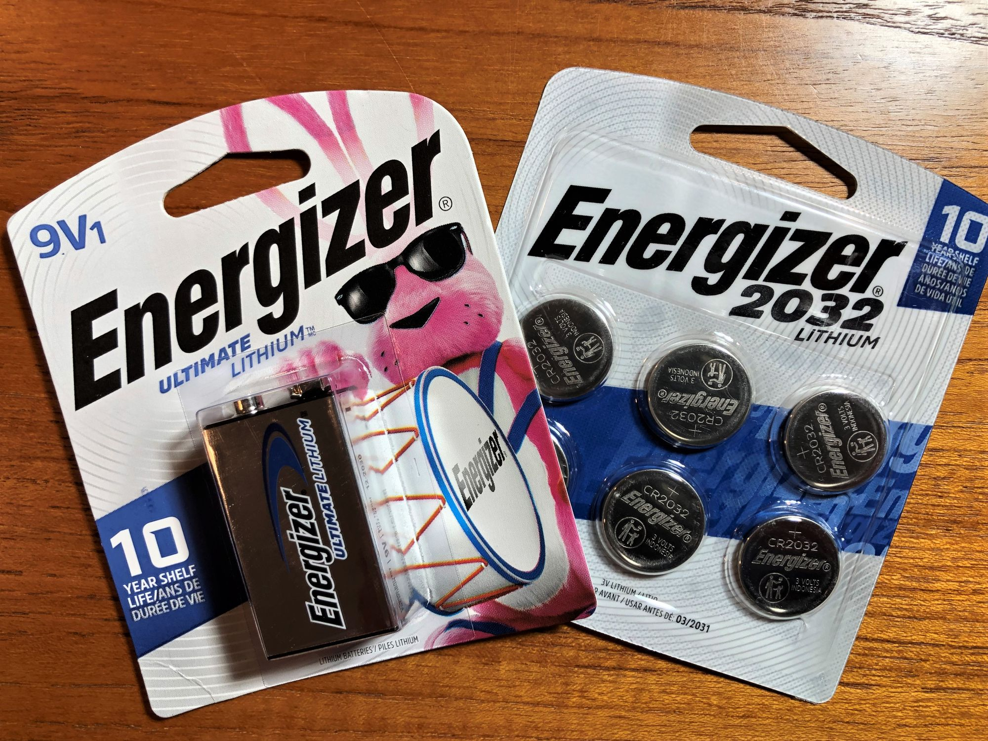 Single-use non-rechargeable lithium batteries