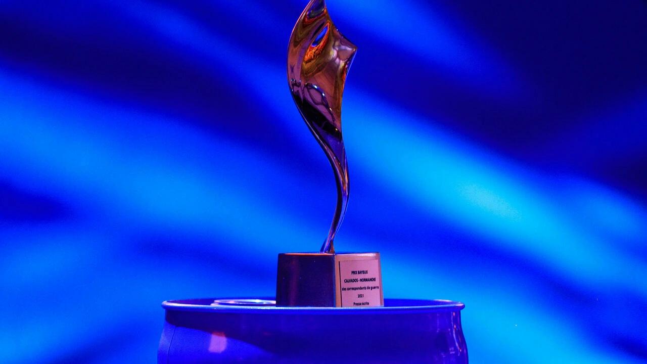 The trophy for the 2021 Bayeux-Calvados Awards for war correspondents in Bayeux, northwestern France, October 9 2021. © Sameer Al-Doumy, AFP